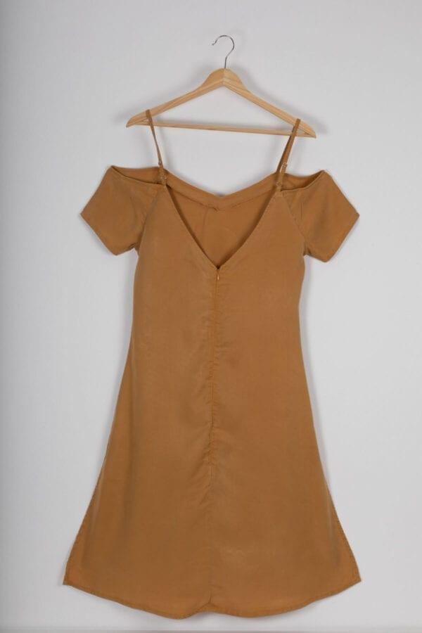Produktfoto: Schulterfreies Kleid, Rückseite