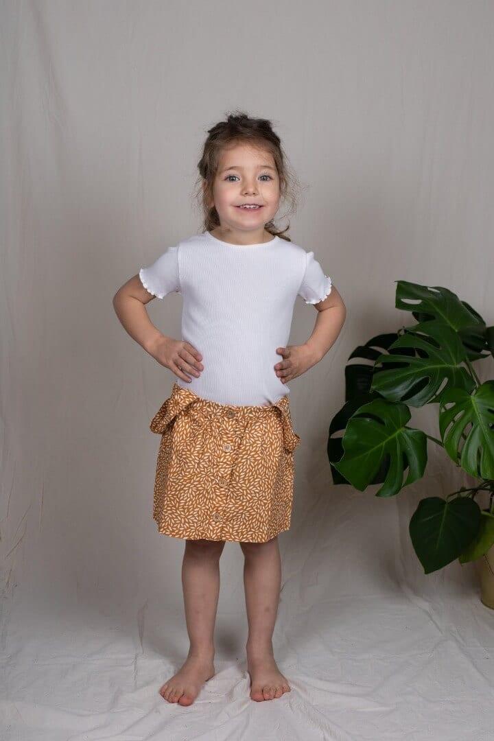 Tragebild: T-Shirt mit Rollsaum für Kinder