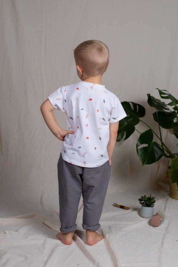 Tragebild: Lässige Leinenhose für Kinder