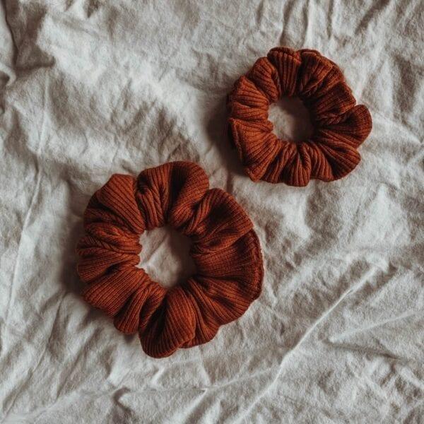 Scrunchies, rust