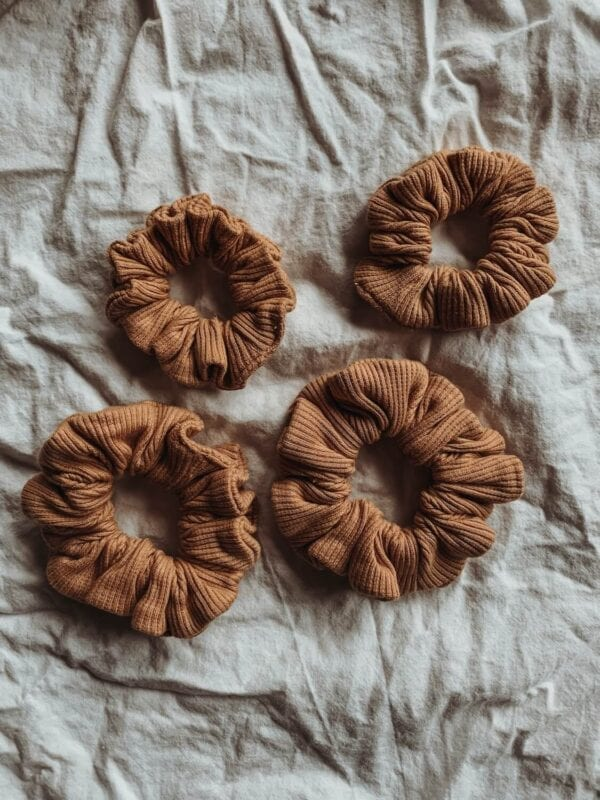 Scrunchies, clay