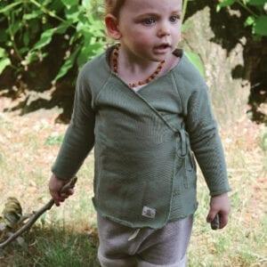 Tragebild: Wrap Cardigan in der Farbe olive