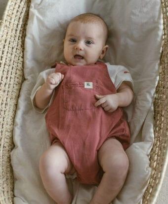 Leineneinteiler für Babys